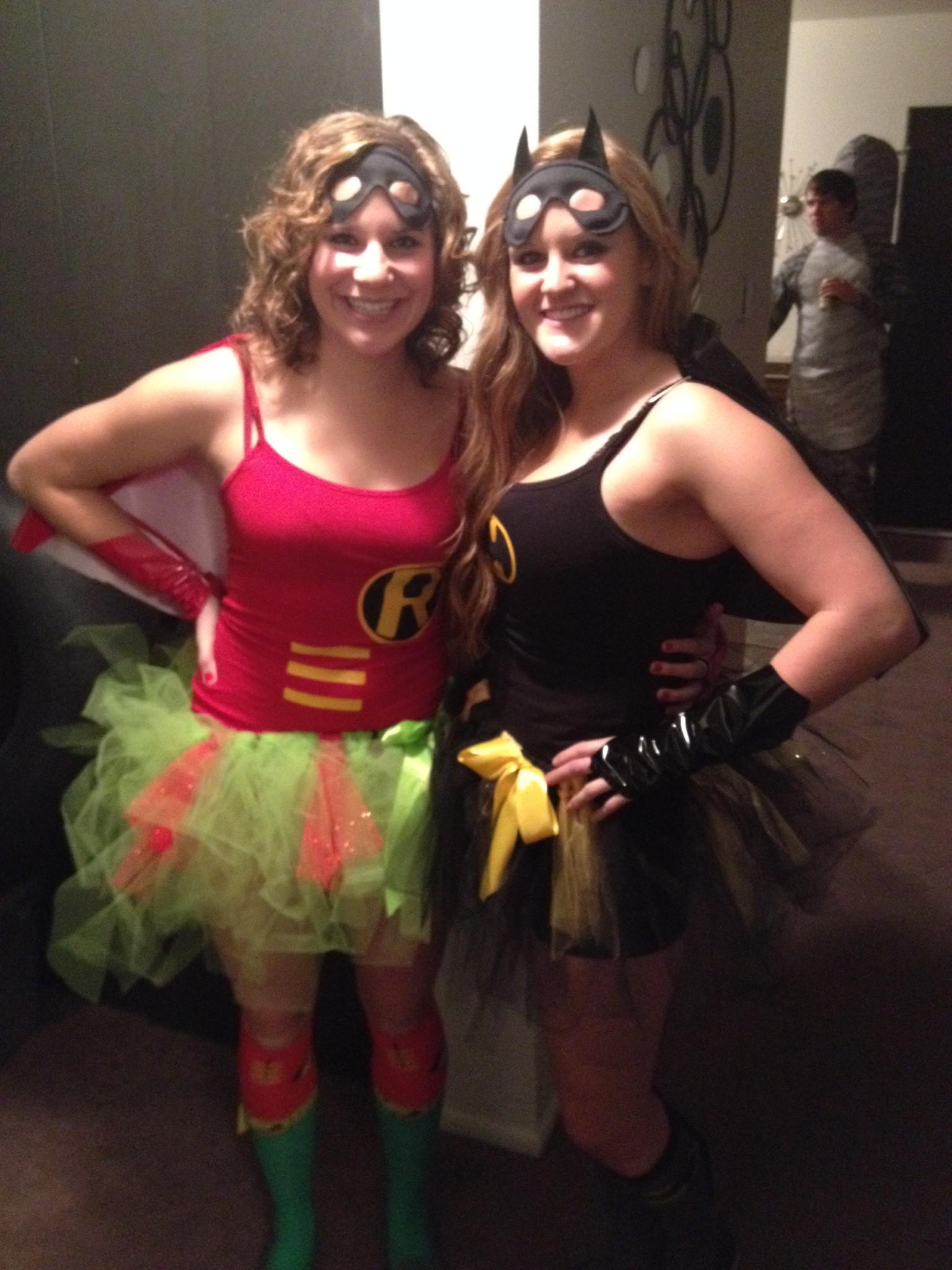 28 diy halloween costumes college in a nutshell unbelievab batman and robin solutioingenieria Images