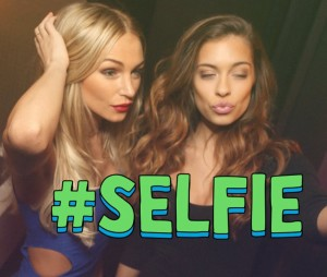 The-Chainsmokers-Selfie1